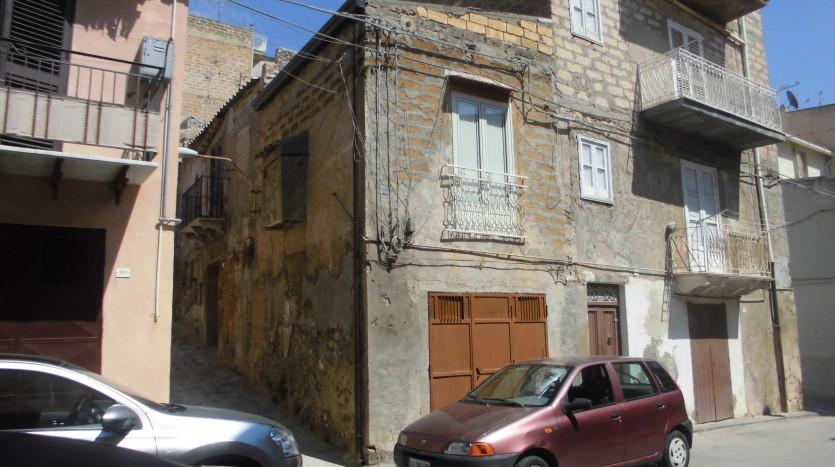 Vendesi abitazione da ristrutturare immobiliare il for Tipi di abitazione
